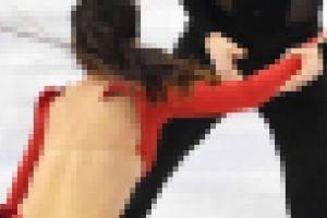 【画像】平昌五輪・フィギュアでポロリするハプニング