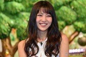 【モデル】石川恋、仲良しショット公開に「3人の写真最強すぎ」